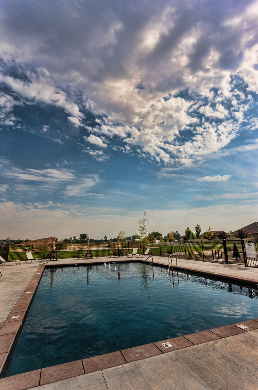 Pool and Clubhouse at Alpine Pointe in Meridian