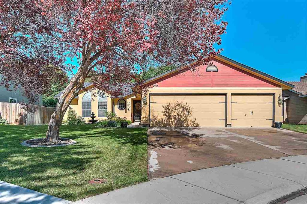 Home for Sale in Meridian Idaho at Amethyst Place