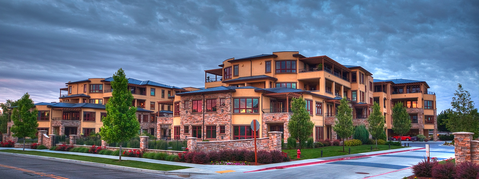 Spectacula condominiums at crescent rim boise idaho boise 39 s ultimate home search for Swimming pool contractors boise idaho